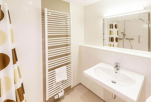 coloured-hygienic-wall-cladding